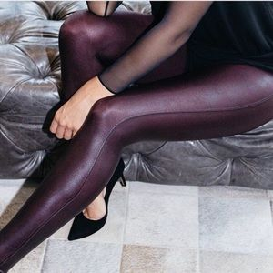 Spanx faux leather leggings in wine. NWT 🔥